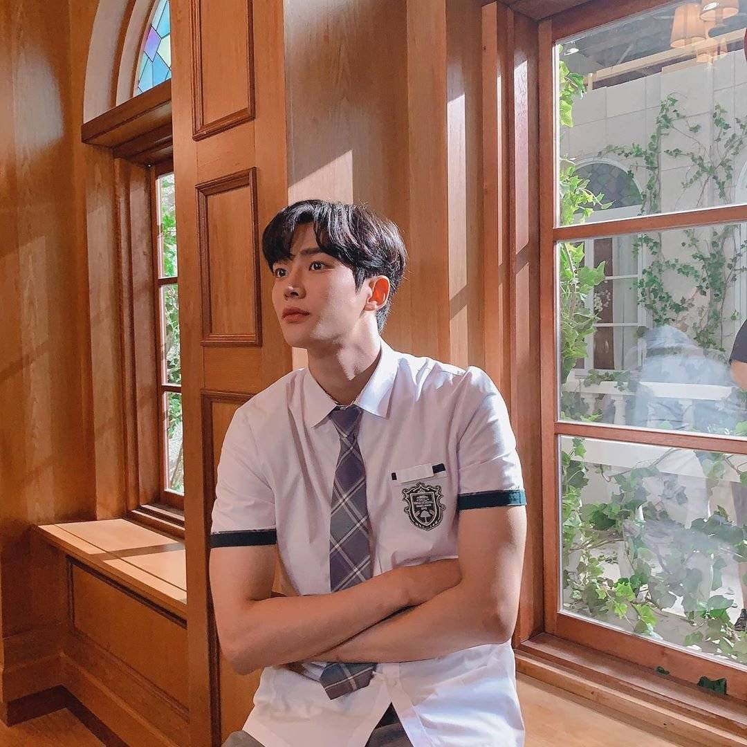 Rowoon From 'Extraordinary You', Over 190cm Tall and Good Looking @  HanCinema