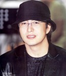 Bae Yong-joon (배용준)'s picture