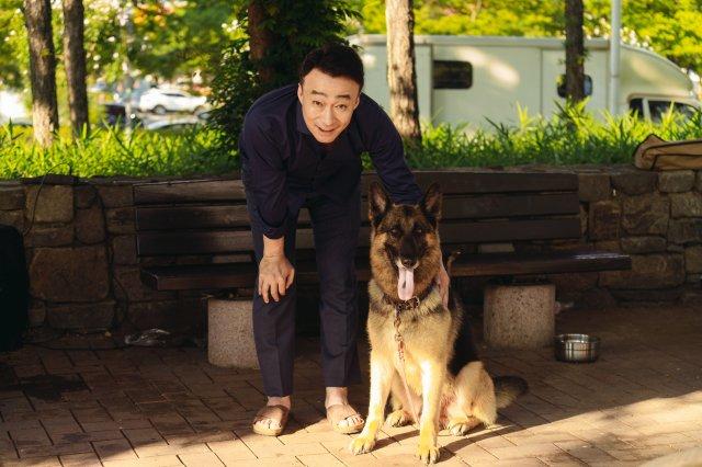 Lee Sung Min sebagai  Joo Tae Joo