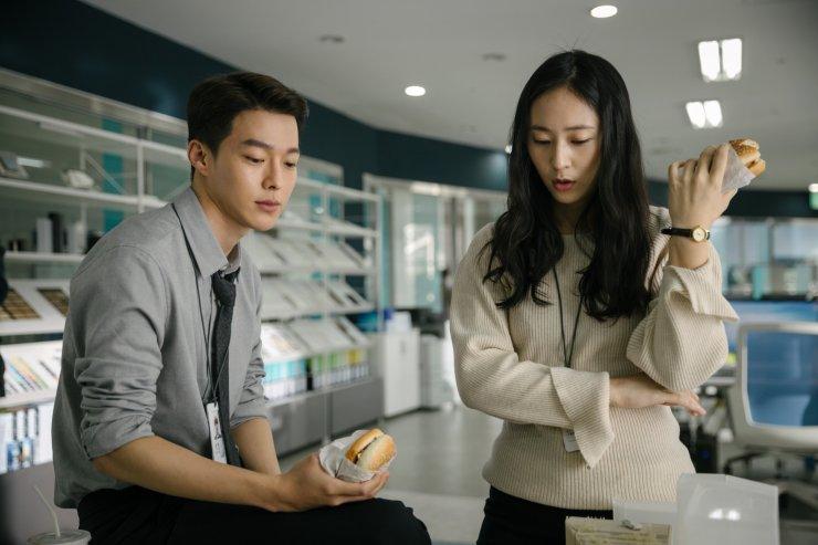 张基龙、郑秀晶《Sweet & Sour》6月4日Netflix甜蜜上线,电影预告曝光!【内附视频】-Woah.MY