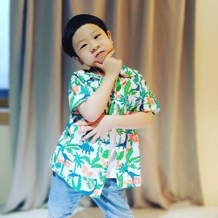 4 nhóc tì siêu cưng ở phim Hàn: Tiểu Lee Min Ho diễn cực đỉnh, 3 bé còn lại ai cũng muốn bắt về nuôi - Ảnh 24.