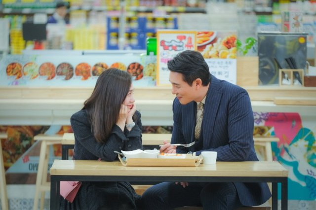 [Photos] New Stills Added for the Upcoming Korean Drama 'Marriage Lyrics and Divorce Music'