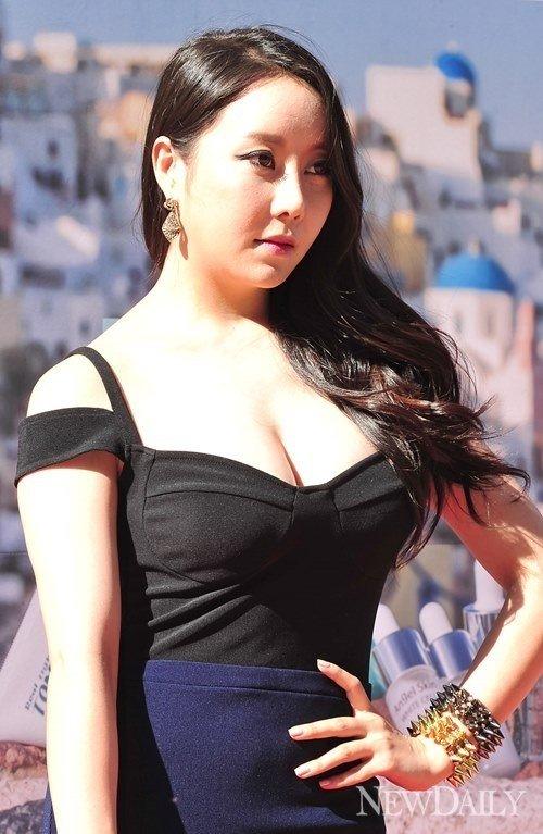 Ha Na Kyungs News Posts Updates  Ed 95 98 Eb 82 98 Ea B2 Bd Korean Actress Hancinema The Korean Movie And Drama Database