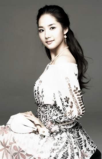 Park Min Yeong Photo43769