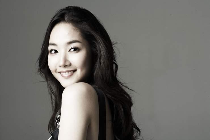 Park Min Yeong Photo43786