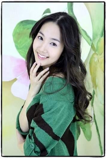 Park Min Yeong Photo43788