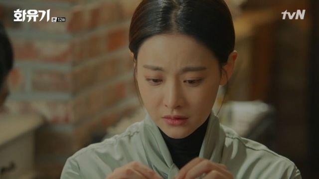 Seon-mi refusing to take the Geumganggo off