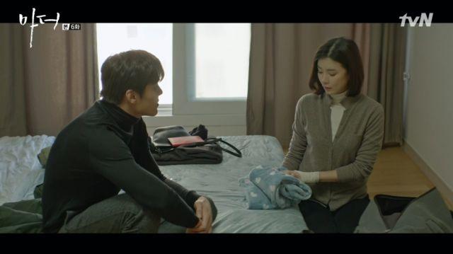 Jin-hong telling Soo-jin she can stay