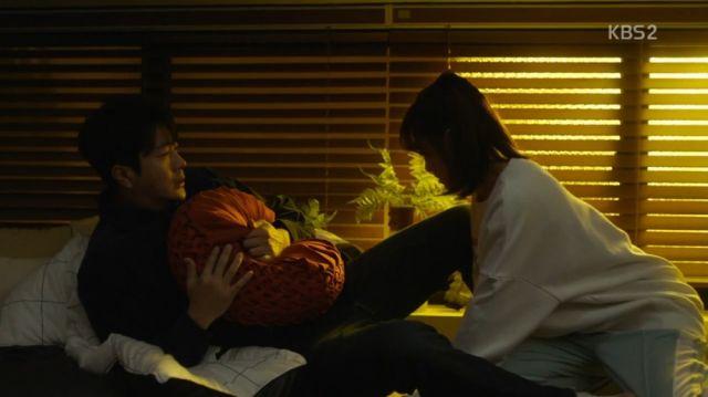 Wan-seung misunderstanding Seol-ok's intentions