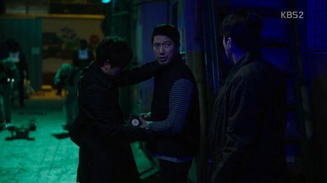 Jae-min calculating stabbings with Seung-hwa