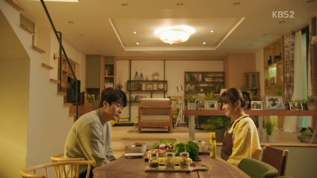 Wan-seung resigning himself to tasting Seol-ok's cooking