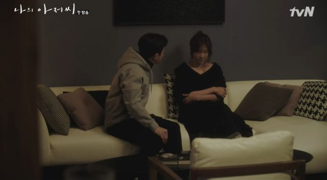 Joon-yeong and a frustrated Yoon-hee