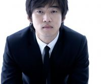 Yoon Kye-sang's picture