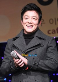 Lee Beom-soo's picture